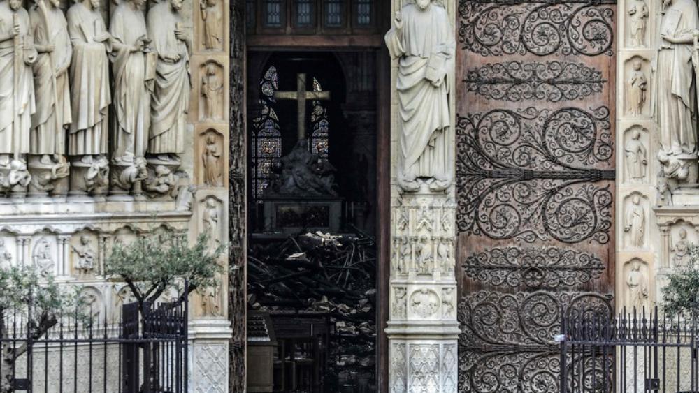 Notre Dame Innen Nach Brand