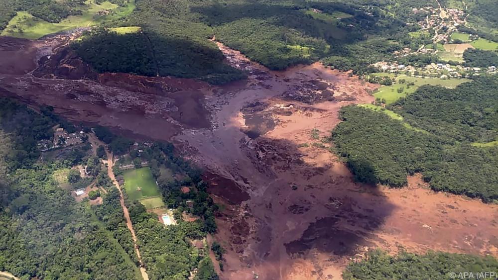 Schlammlawine In Brasilien