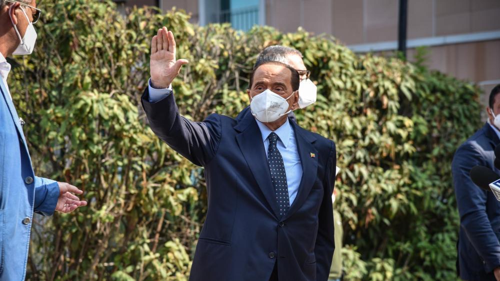 Negativer Test für Berlusconi an seinem Geburtstag