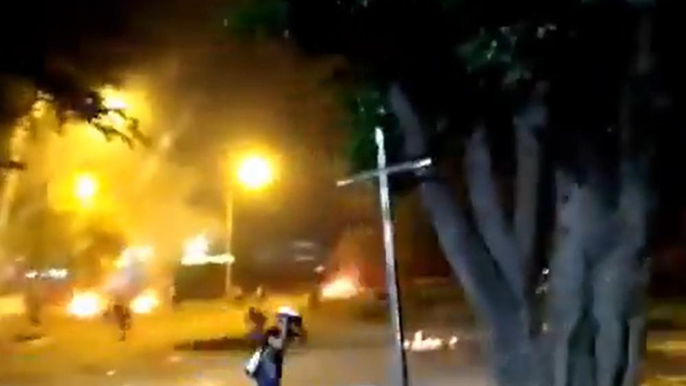 Polizei in Kolumbien geht mit brutaler Gewalt gegen Demonstranten vor