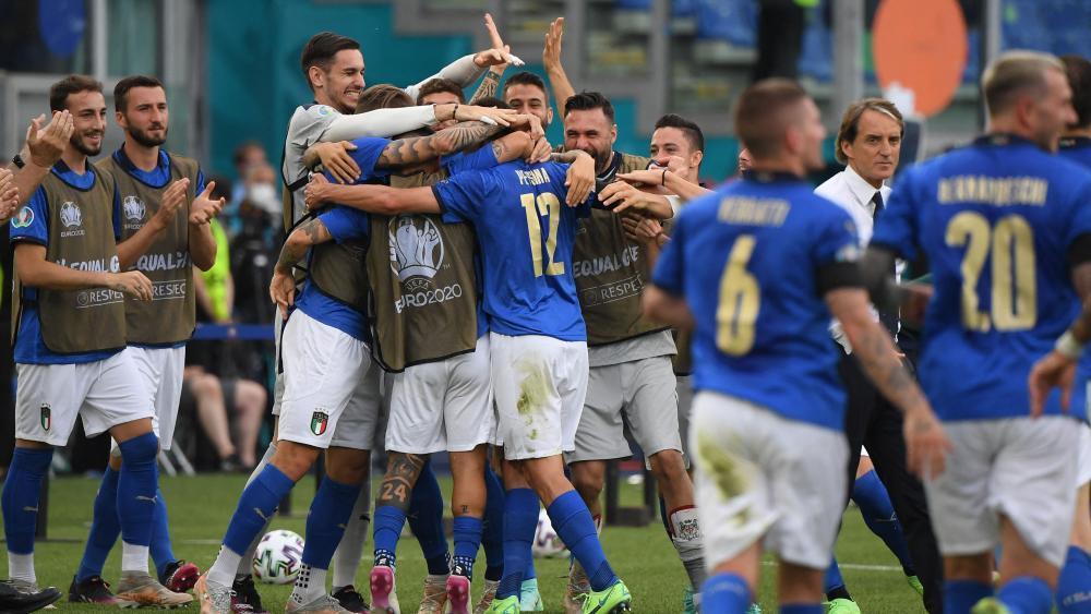 Quellbild anzeigenTrainer: Roberto Mancini Gilt als einer der besten Spieler seiner Generation